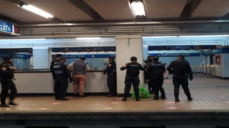 Más policías y persecución en las instalaciones del metro