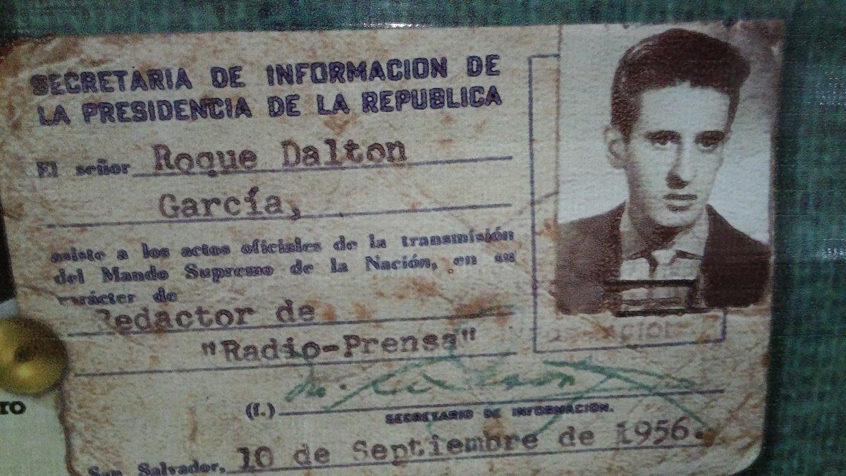 Roque Dalton Fusilar La Miseria Nombrar La Vida