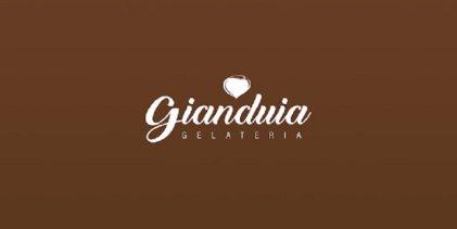 Joven despedido de Gianduia vuelve a su trabajo