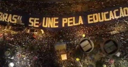 """""""La educación destruye mitos"""": 15M y 30M han sido manifestaciones históricas en Brasil"""