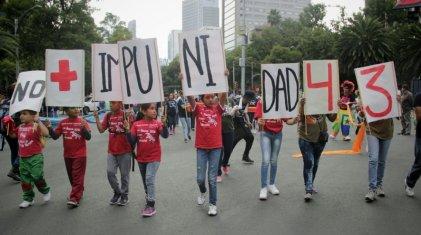 Padres de los 43 se movilizan a 29 meses de la noche negra de Iguala