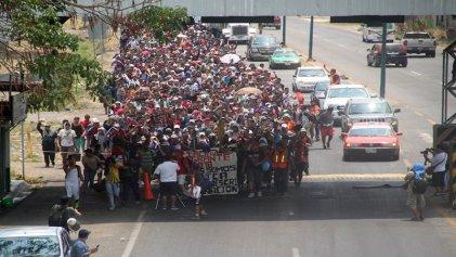 """Centroamericanos inician caravana """"Viacrucis migrantes en lucha"""" rumbo a EE.UU."""