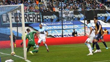 Superliga: Racing bajó a Rosario Central y quedó cómo el único líder