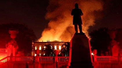 Devastador incendio en el Museo Nacional de Río de Janeiro, desfinanciado por Temer
