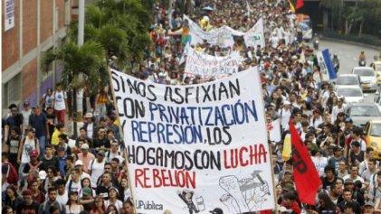 Colombia: multitudinaria movilización estudiantil es brutalmente reprimida