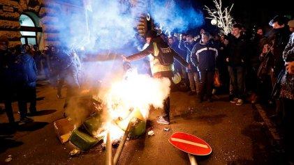 """Hungría: miles de trabajadores protestan contra lo que llaman la """"ley de esclavos"""""""