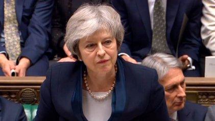 Cómo sigue tras la aplastante derrota para May: el Parlamento vota contra el acuerdo del Brexit