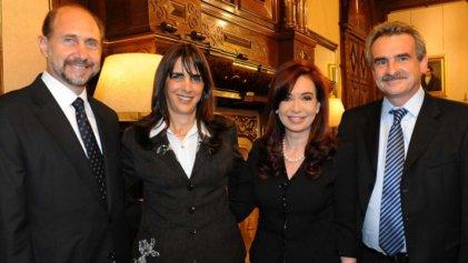 Santa Fe: CFK baja su lista y se subordina al peronismo sojero y proyanqui de Massa y Perotti