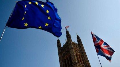 El Parlamento británico rechazó las cuatro propuestas alternativas de Brexit