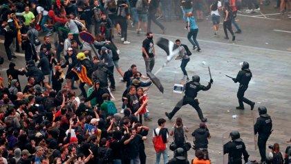 Más de un centenar de manifestantes heridos durante las protestas en Cataluña