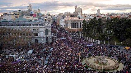 8M: masivas manifestaciones en todo el Estado español