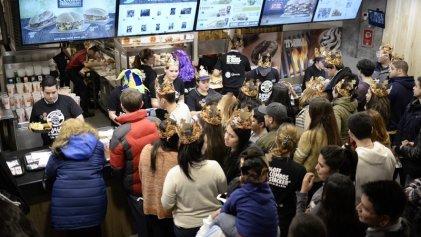 """""""Stacker week"""": Burger King duplica ritmo laboral por una semana cerca del pico"""