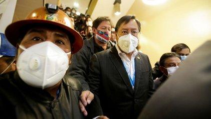 Lanzan dinamita a una sede donde se encontraba Luis Arce, presidente electo de Bolivia