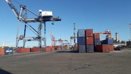 Paro total de portuarios y marítimos en reclamo de vacunación