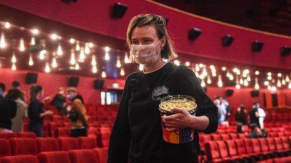 Hoy reabren cines y teatros porteños: qué obras y películas podés ver si te alcanza para la entrada