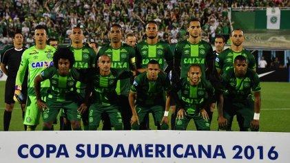 Tragedia: se estrelló avión con futbolistas del Chapecoense de Brasil