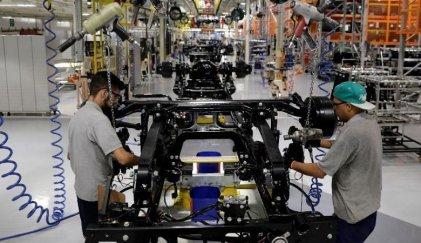 Caída en la industria: el uso de la capacidad instalada lleva 19 meses en baja