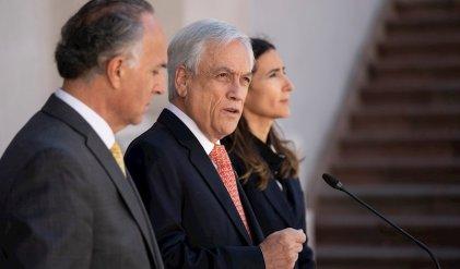 """La oposición acepta un """"diálogo"""" que le da un respiro a Piñera"""