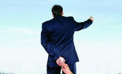 Alerta: avanza ley para que empresas financien campañas y se proscriba a la izquierda
