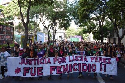 Miles marcharon en Rosario contra el fallo que absolvió a los responsables del femicidio de Lucía Pérez