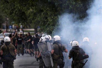 La Policía griega reprimió manifestación contra una ley que criminaliza la protesta social
