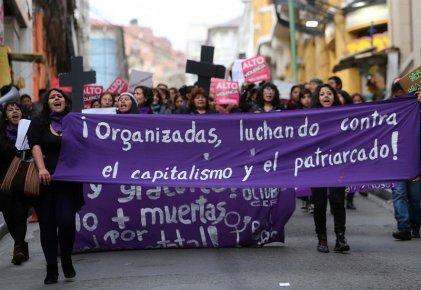 """Fuimos cientos en las calles al grito de """"ni una muerta más"""", ¡podemos ser miles!"""