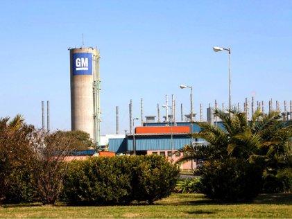 Nuevas suspensiones con rebaja salarial en General Motors de Alvear