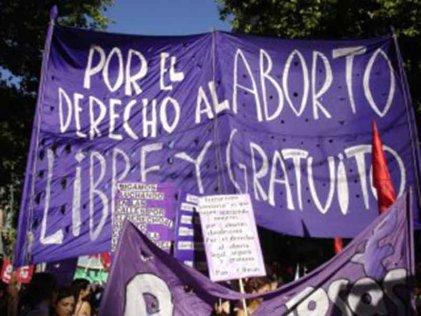 Aprobada ley del PP que prohíbe abortar a menores de 16 y 18 años sin permiso paterno