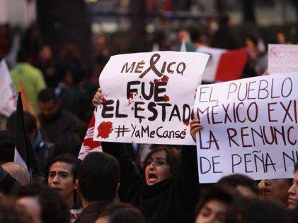 México de pie por los normalistas desaparecidos