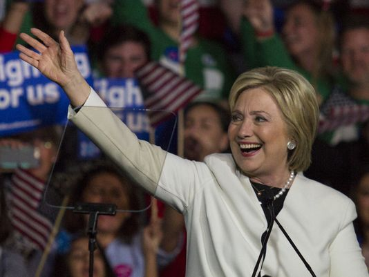 Hillary Clinton quiere el voto latino: promete reforma migratoria si gana elecciones