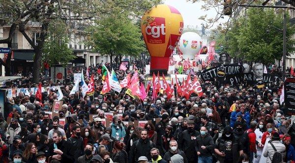 Miles de personas marcharon por el día del trabajador en Francia pese a la represión policial