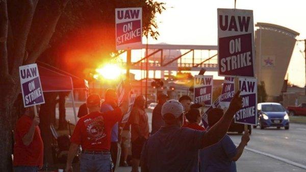 Huelga en la General Motors de EEUU repercute en Canadá