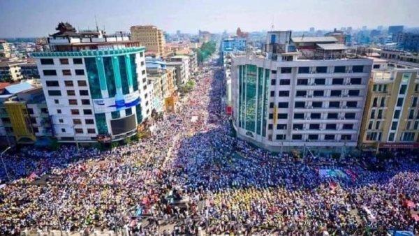 Myanmar vive la jornada de huelga y protestas más importantes contra el golpe