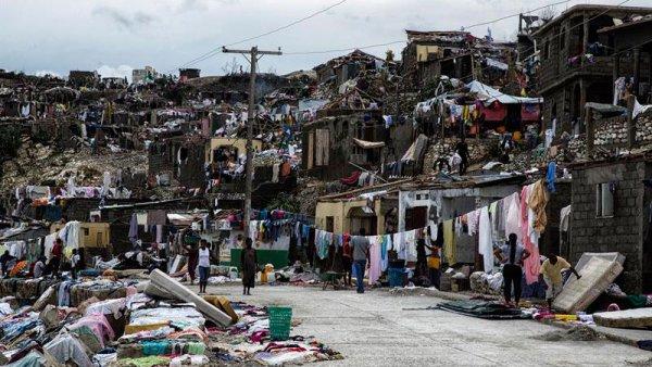 Más 800 muertos en Haití tras el devastador paso del huracán Matthew