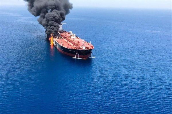 Trump sigue echando nafta sobre las tensiones en Medio Oriente