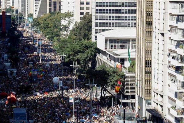Tres millones le mostraron a Bolsonaro su orgullo LGBT en San Pablo