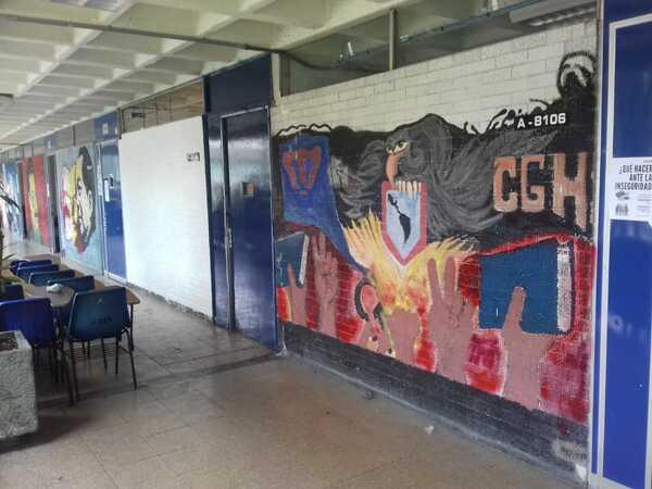 Autoridades de la FES Acatlán desalojan cubículo y borran mural en humanidades