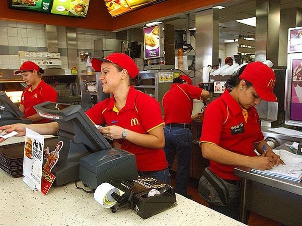 Poco más de un Big Mac la hora