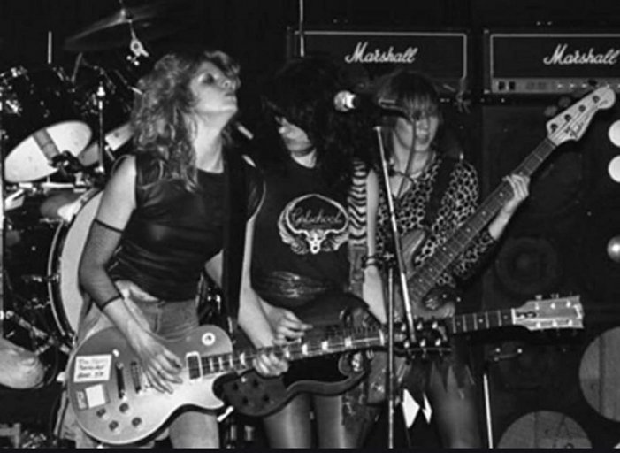 Girlschool, la primera banda de heavy metal con integrantes en su totalidad femeninas.